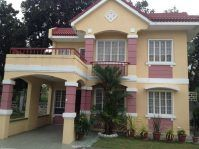San Isidro Paranaque City House & Lot for Sale. Clean Title