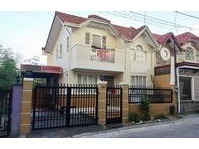 Villa de Alyssa Buhay na Tubig Imus Cavite House & Lot Sale