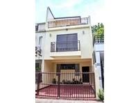 Mountain Crest Executive Village Quezon City House & Lot For Sale