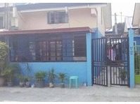 Gillian Hills, Caloocan City House For Rent