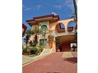 West Coast Hills, Tagaytay City, Cavite House & Lot For Sale