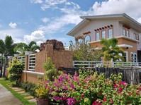 Mangato, Laoag City, Ilocos Norte House & Lot for Sale 081925